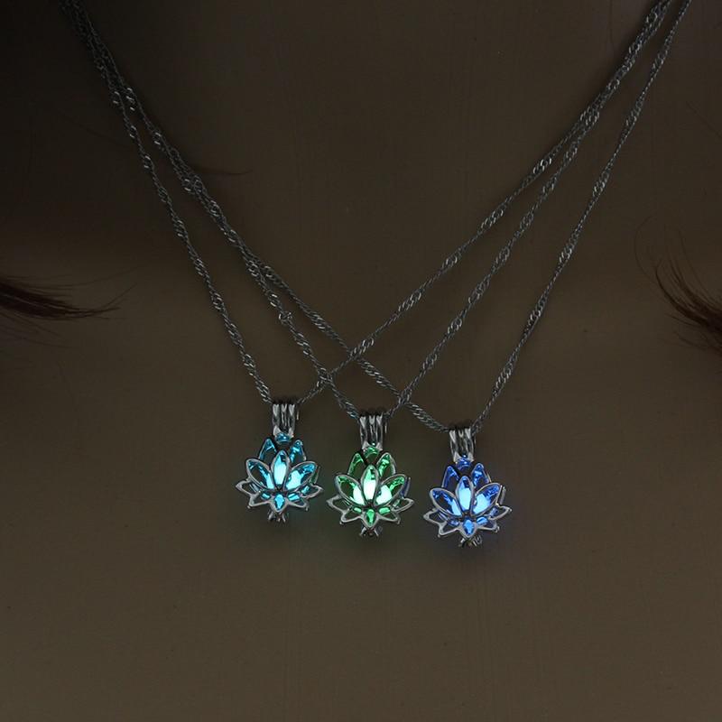 Светящееся в темноте ожерелье в виде лотоса для женщин ювелирные изделия Чокер 3 цвета ожерелье Мода Прямая поставка