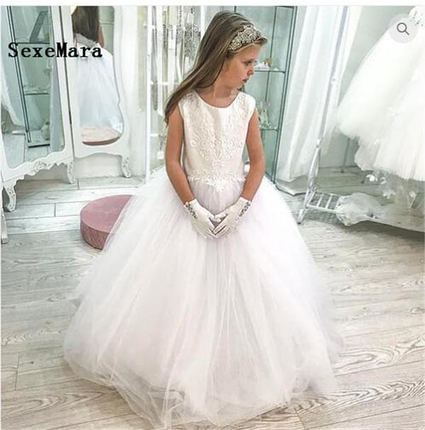 White Ivory Tulle Lace Girls First Communion Dress Ball Gown O Neck Customized Flower Girls Dresses for Weddings Christmas Gown customized ball gown 2018 fluffy flower girls dresses tulle applique lace ankle length sleeveless communion gown actual image