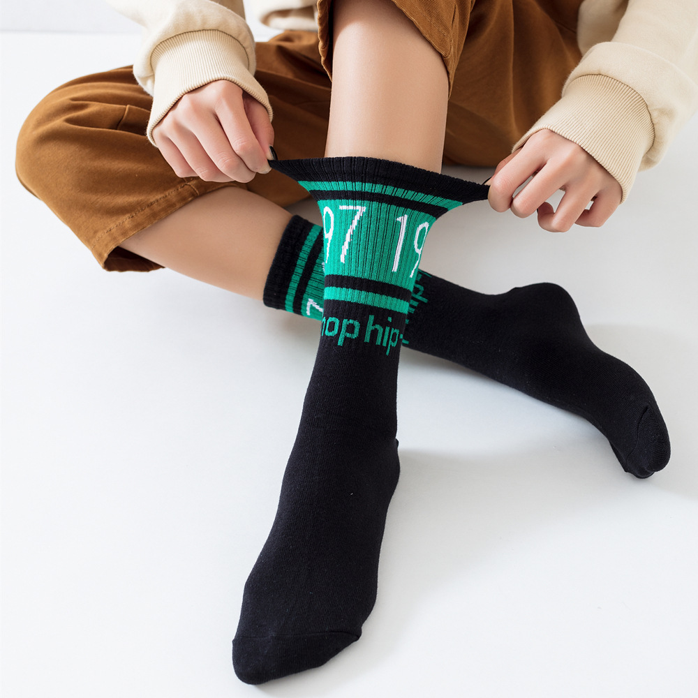 Harajuku Hip-hop Couple Socks Elastic Cotton 1997 Women Ins Skateboards Trendy Socks Street Fashion Black White Fits To EU 35-44