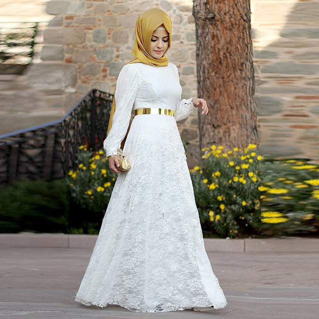 Beautiful Lace Muslim Wedding Dress A Line Long Sleeve Woman Abayas Caftan White Gold Bridal
