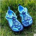 2016 playa de Verano zapatos de Lona suave niños Sandalias de la flor y de la historieta Zapatos de Bebé Sandalias de los niños Zapatos de Verano sandalias de los muchachos