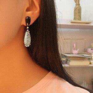 Image 3 - Bilincolor de moda de lujo verde cz con pendientes barrocos de gota de perla blanca para mujer