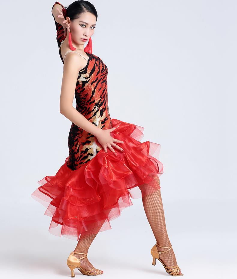 Танец женщины сексуальной фото 307-939