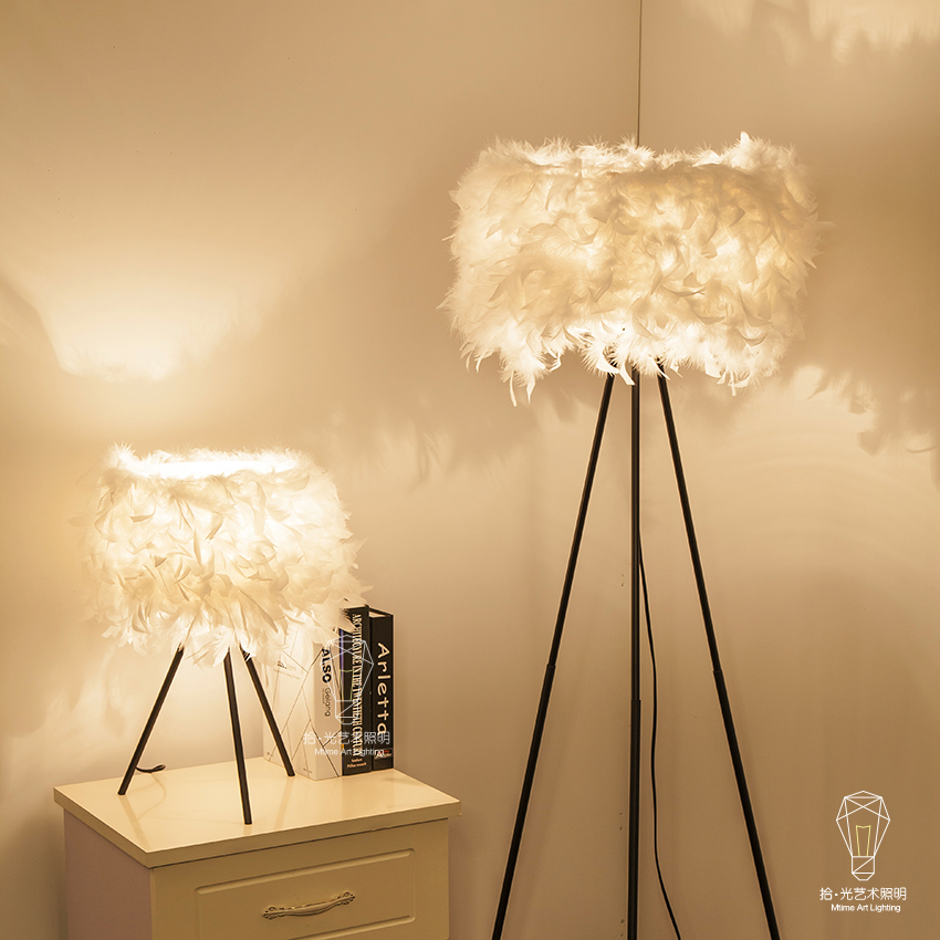 A1 новые модные дизайнерские свадебные комнату теплой гостиной лампы лампа спальня ночники перья Настольные лампы zl355