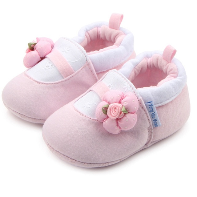 Lovely Whale Flower Baby Slippers Warm Boy Girl Baby Home Shoes Soft  Comfortable Infant First Walkers Baby Crib Shoes Size 3 4 5 7c54f2ce2
