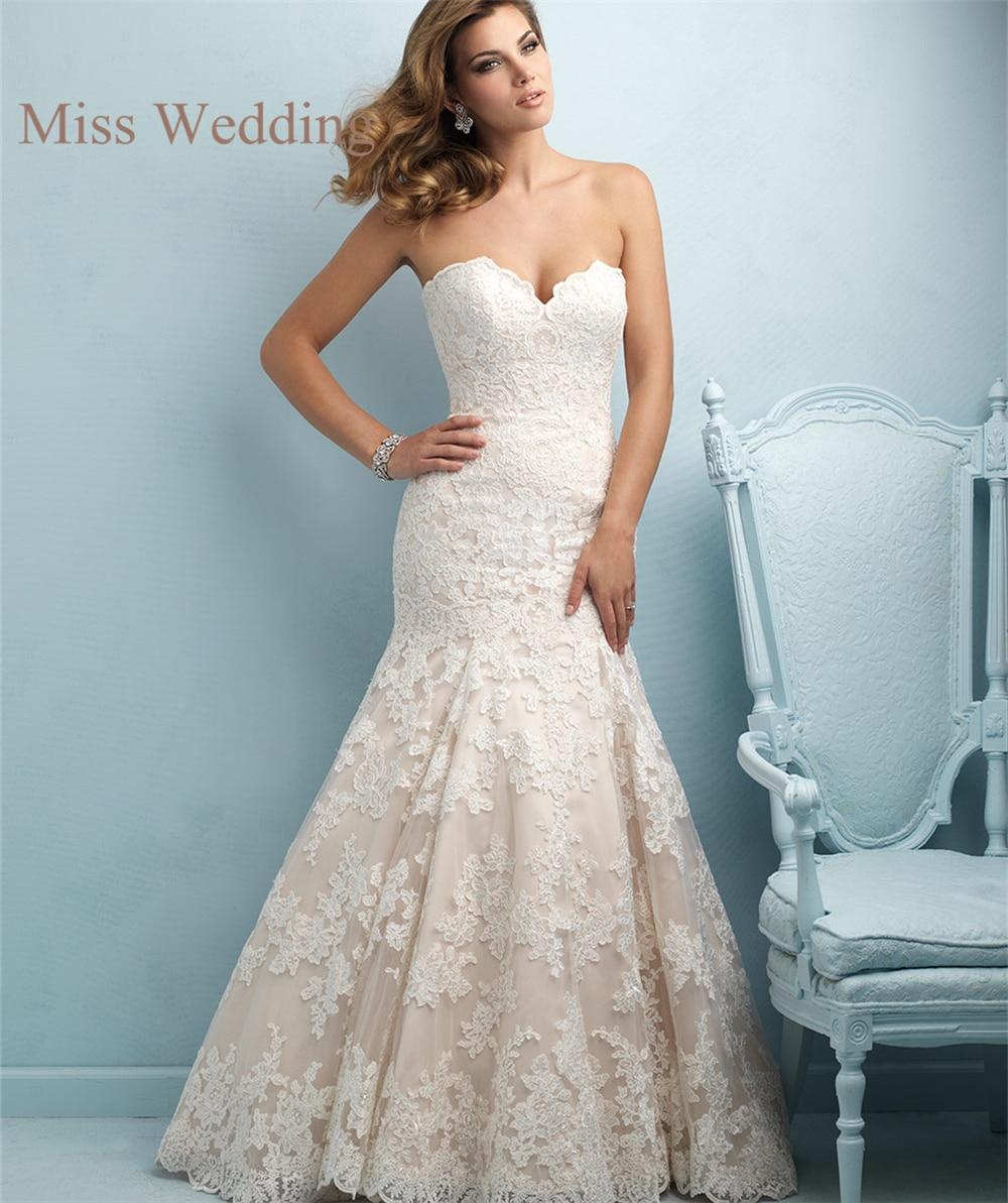 Sweetheart Lace Wedding Dress: New Arrival Elegant Strapless Customized Lace Wedding
