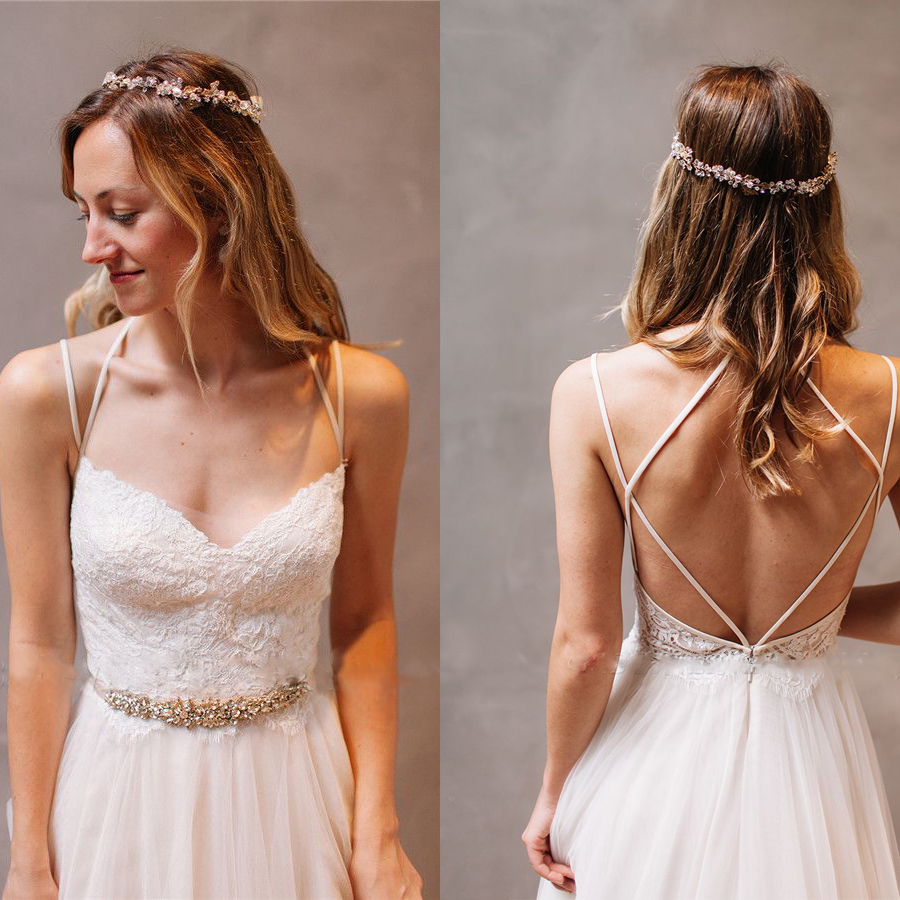 Elegant Lace Spaghetti-Strap Wedding Dresses With Crystal Belt Sleeveless Floral Bridal Gowns Backless A-line Wedding Dress