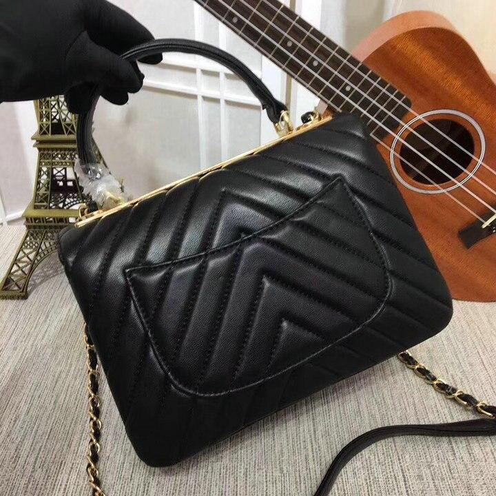 2018 New Lambskin Leather Bag Women Luxury Brand Designer Handbags Top Quality Fashion Shoulder Bag Beige Gold/Silver Chain Bags