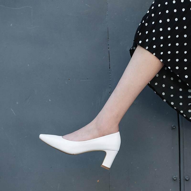 2019 nuovo arrivo del cuoio genuino piazza talloni delle donne pompe della signora dell'ufficio concise elegante superficiale scivolare su un solido dolci scarpe da lavoro l25-in Pumps da donna da Scarpe su  Gruppo 3