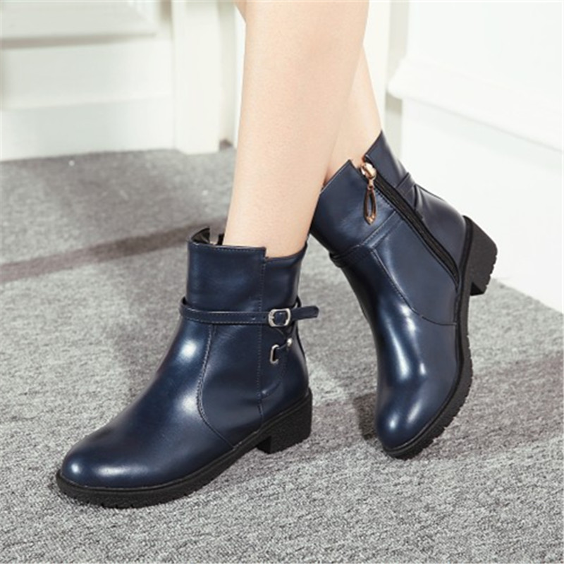 plus size 34-43 New Fashion Autumn Winter Boots Women Classic Zip Ankle Boots Warm Plush Leather Casual Martin Boots Women Shoes