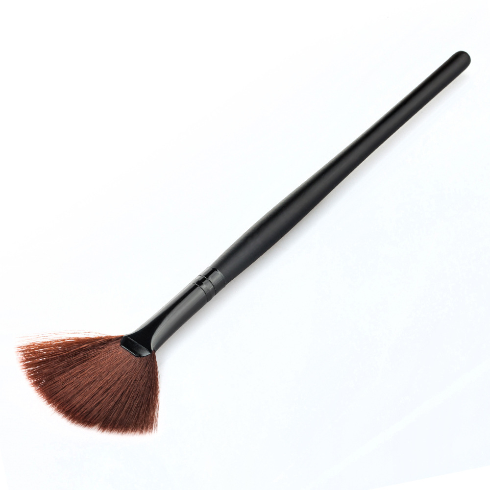 Brand New Beauty 1PCS Fan-Shaped Handle Facial Brush Skin Care Makeup Tool Facial Concealer Makeup Brush 4 colors BO