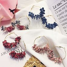 Fashion Big Metal Round Flower Hoop Earrings for Women Stylish Fabric Flowers Petal Circle Hoop Earrings Fancy Earring Jewelry pair of stylish faux crystal hoop earrings for women