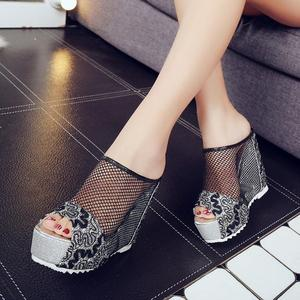 Image 4 - 여성 플립 퍼 높은 뒤꿈치 샌들 숙 녀 섹시 할로우 웨지 슬립 온 높은 뒤꿈치 신발 숙 녀 여름 샌들 슬리퍼 zapatos mujer