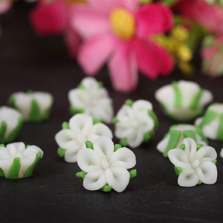20pclots 10mm12mm Small White Beauty Polymer Clay Flower Beads For