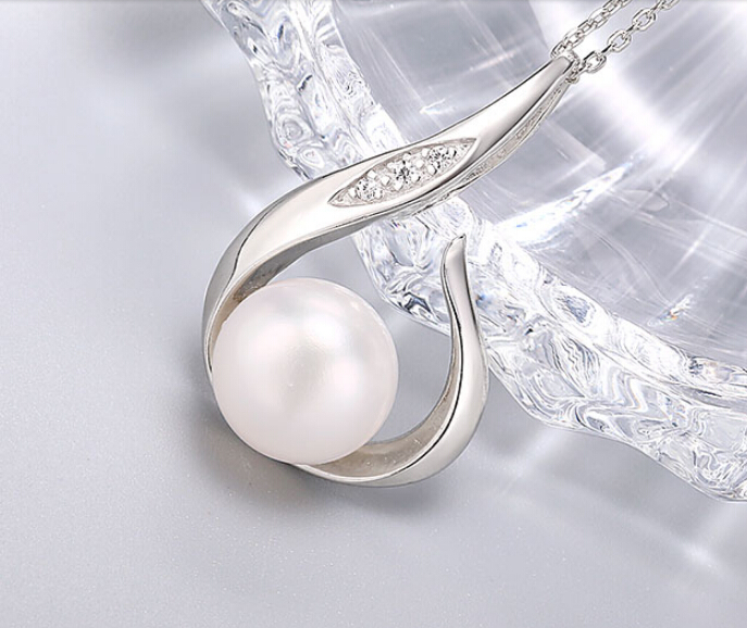 hot-selling   Flame dew 10-10.5mm full bead type strong  fresh water pearl pendanthot-selling   Flame dew 10-10.5mm full bead type strong  fresh water pearl pendant
