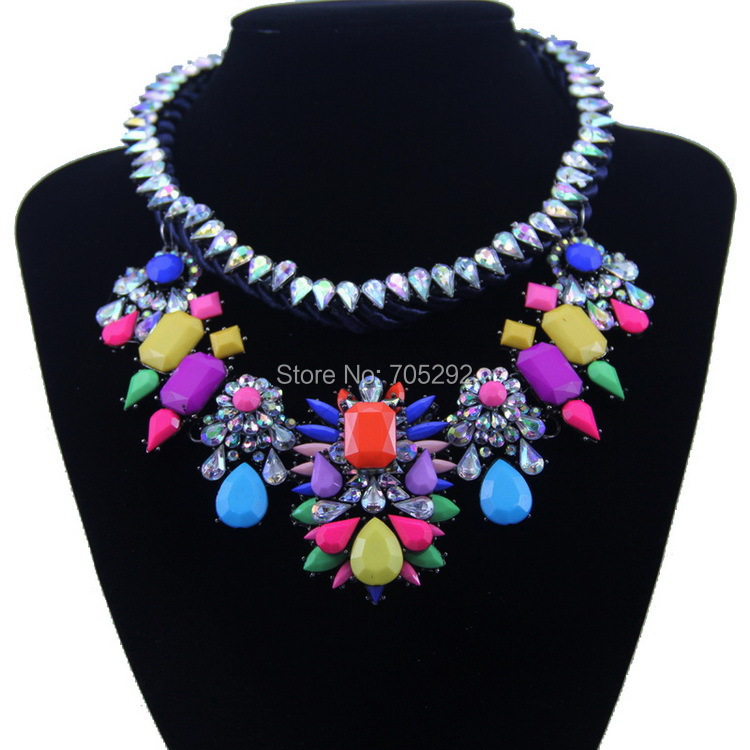 New Vintage Luxury Big Crystal Flower Pendant with Rope Chain Choker Statement Necklace for Women