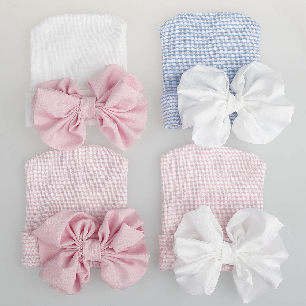 Детская шапка в полоску для новорожденных 0-3 месяцев