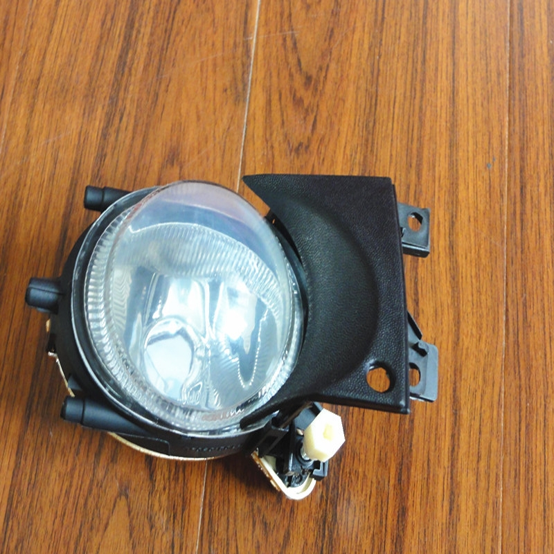 1Pcs Front Bumper Fog Light Without Bulbs Driving Lamp RH 63176900222 For BMW E39 5 Series 2001-2003