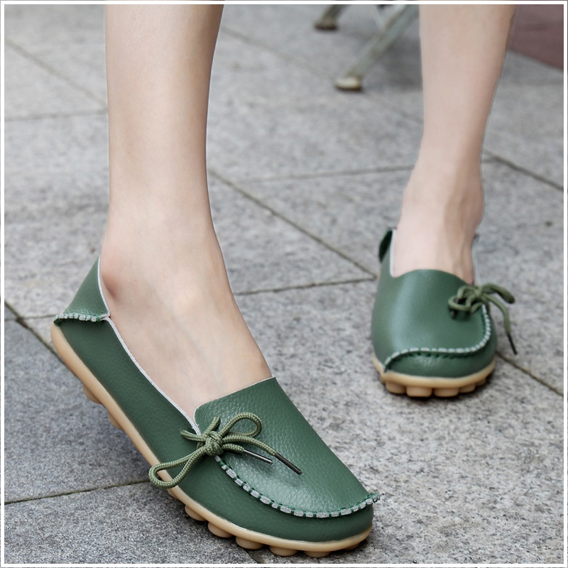 Women Flats Real Leather Shoes Moccasins Mother Loafers Soft Flats Female Driving Casual Footwear Big Size 35-44 vintage embroidery women flats chinese floral canvas embroidered shoes national old beijing cloth single dance soft flats
