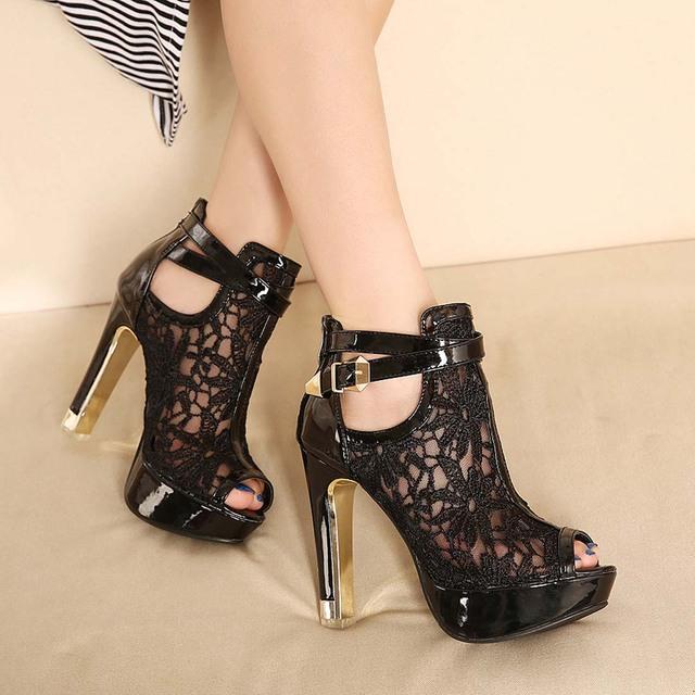 Zapatos de plataforma de las mujeres sandalias zapatos de señora party girl blanco negro zapatos de la boda del estilete de los altos talones del dedo del pie abierto zapatos de vestir de tobillo correa