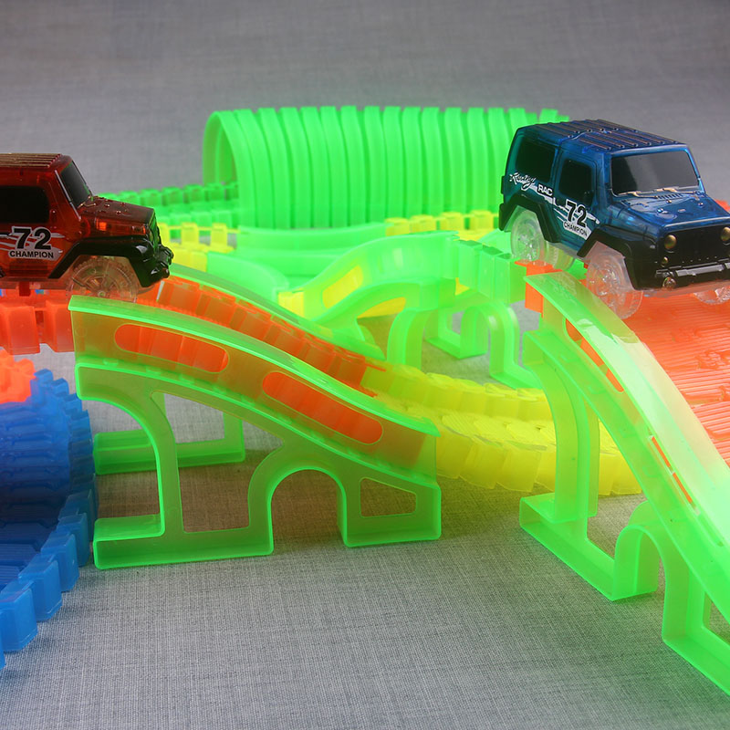Intelligence-300-150-PCS-Bend-Flex-Curve-Slot-DIY-Track-Toy-Car-Set-with-glows-in