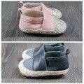 2016 con estilo de bebé del niño mocasines de cuero genuino patrón Bling hechos a mano muchachos de los bebés de goma dura zapato de bebé inferiores para walk
