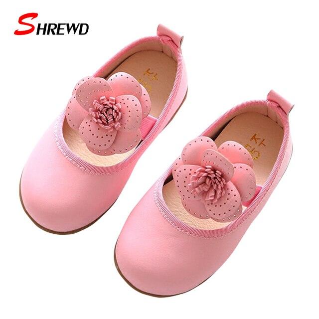 Kids Shoes Девушки 2017 Новая Весна Мода Большой Цветок Партия Shoes Дети Девушки Твердые Милые Дети Shoes Insole 13.5-15.5 см 9574 Вт