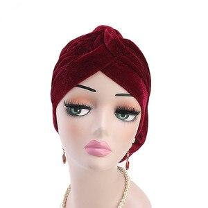 Image 2 - Helisopus Nuovo Modo di Velluto Cappello Turbante Delle Donne Elegante Musulmano Cappello Elastico di Modo di Perdita di Capelli Femminile Cap Chemio Cap Accessori per Capelli