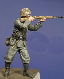 1/35 Resin Figures German Soldier In Shooting 1pc