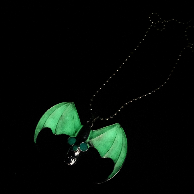 Horror skull Jewelry For Men Skull Wing Pendant Skull Luminous necklace Sweather Chain For Women Men Gifts