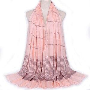 Image 4 - Plain Shimmer maxi katoenen sjaal hijab effen Omzoomd sjaals glitter moslim lange moslim hoofd wrap tulbanden sjaals/sjaal 10 stks/partij