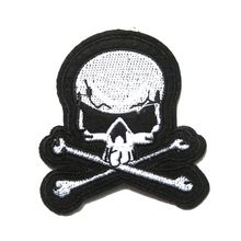 ФОТО 2018 handmade limited for clothing parches stickers 2pcs jolly roger patch pirate skull crossbones iron-on for poison emblem