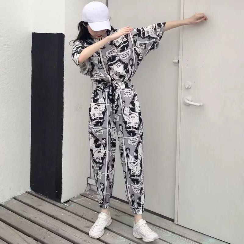 2pcs Tweed Women Summer Fitness Tracksuit Outfit Suit Set Girl Hiphop Cartoon Newspaper Print Short Sleeve Top + Pants