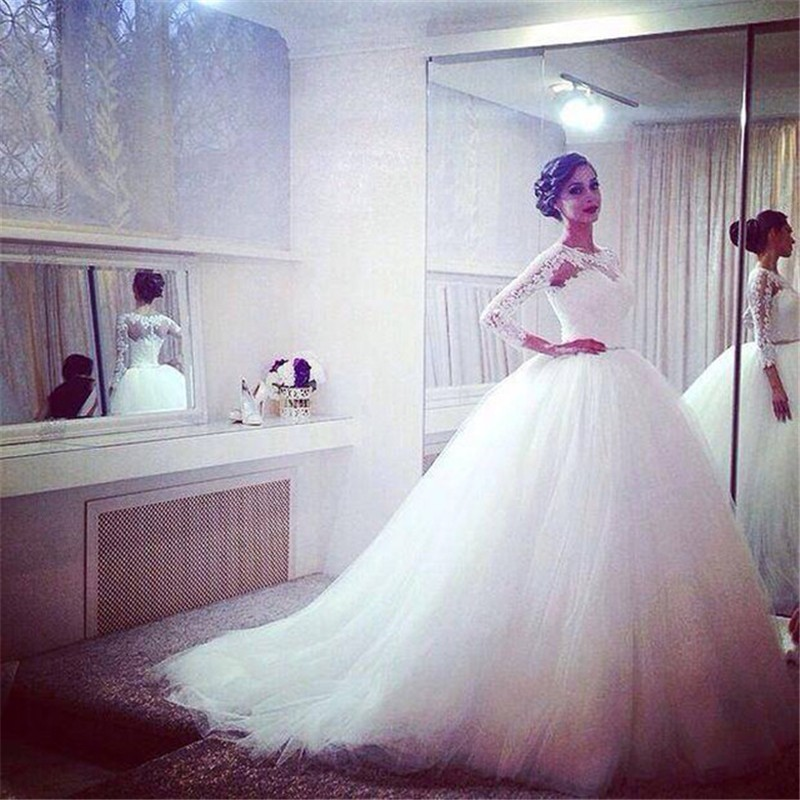 Elegabt long sleeve wedding dress scoop neckline lace appliqued white tulle wedding gown bridal party dresses new arrival 2017
