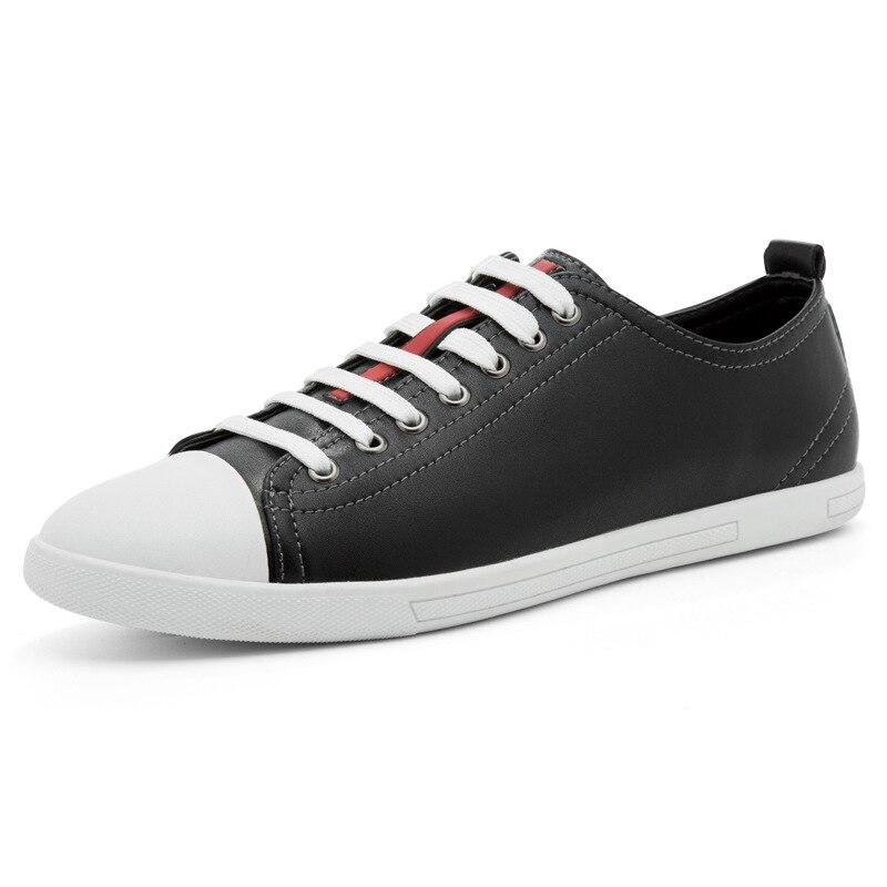 все цены на Classical Skate Men Sneakers For Men Black White Teenager Casual Shoe High School Boys Leather Shoes Platform Shoe Spring Autumn онлайн