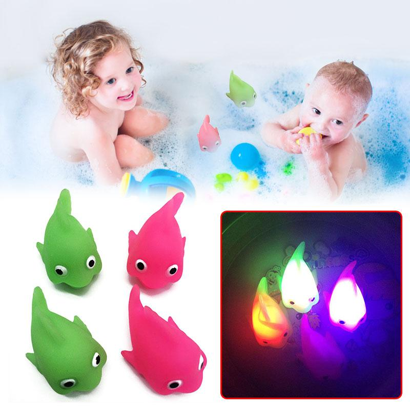 1PC Baby Bath Toy Water Flashing Floating Light Toys In The Bath Tub Kids Automatic Led Lighting Up Water Play Toys Bath Toys