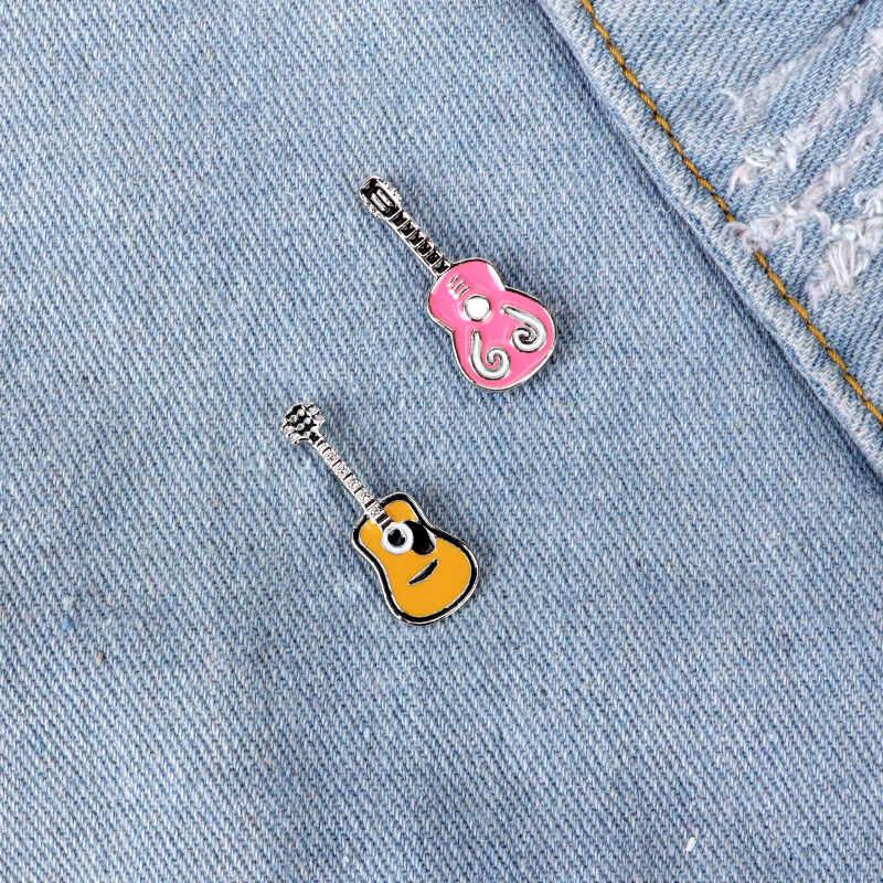 2 Pcs Gitar Pin Bros Wanita Musik Kerah Pin Kartun Enamel Alat Musik Bros Denim Aksesoris Ransel