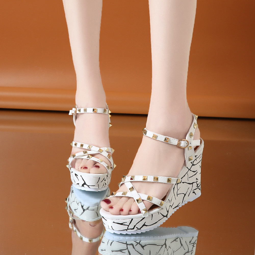 Zapatos Mujer 2018 Shoes Woman Sandals Wedge Summer Lady Fashion High Heels Sandals Elegant Rivets Women Shoes Platform Wedges 36