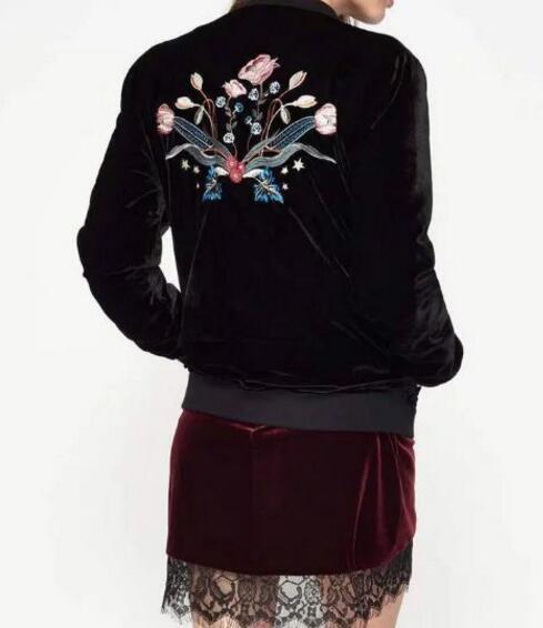 De la mujer 2017 Nueva Primavera de Terciopelo Negro Floral Bordado chaqueta de