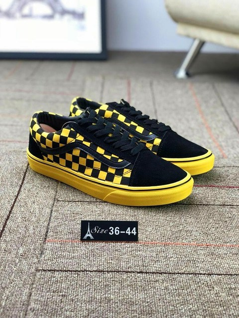 2018 New Vans Off The Wall Classics Canvas Shoes Spring And Summer