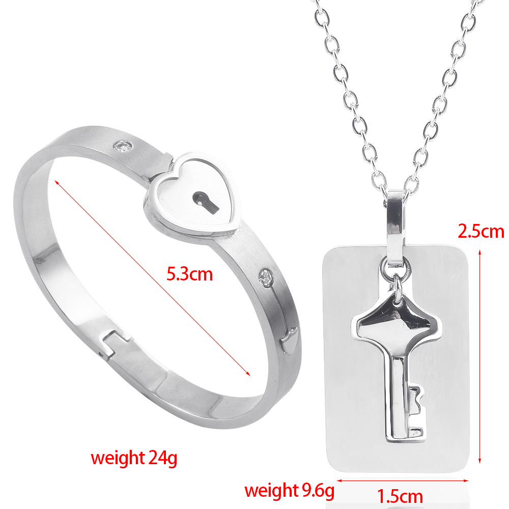 A Set Couples Heart Lock Key Pendants Necklaces Women Lover Stainless Steel Pair Kitty Cat Embrace Necklace Sweetheart Jewelry in Pendant Necklaces from Jewelry Accessories