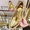 Estilo Británico de moda de Paja de Oro de Cuero de Fondo Grueso Zapatos de Plataforma de Bueyes Tallados Oxfords Zapatos Para Las Mujeres de Plata Plana Calzado