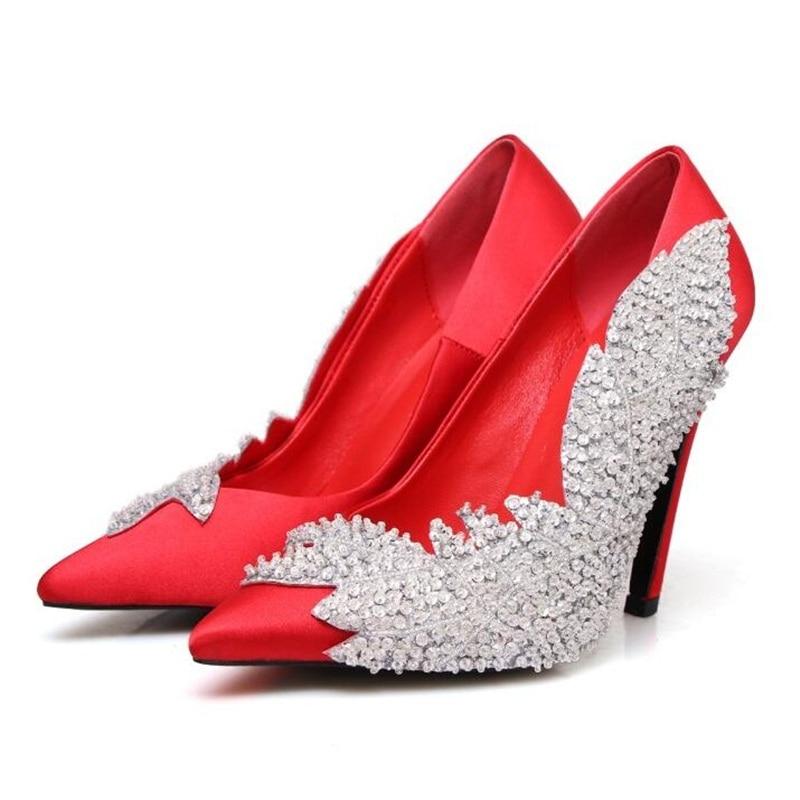 Новая мода Блестящий Кристалл Листья Для женщин очаровательные красные атласные туфли лодочки Роскошные Бисер на высоком каблуке женское