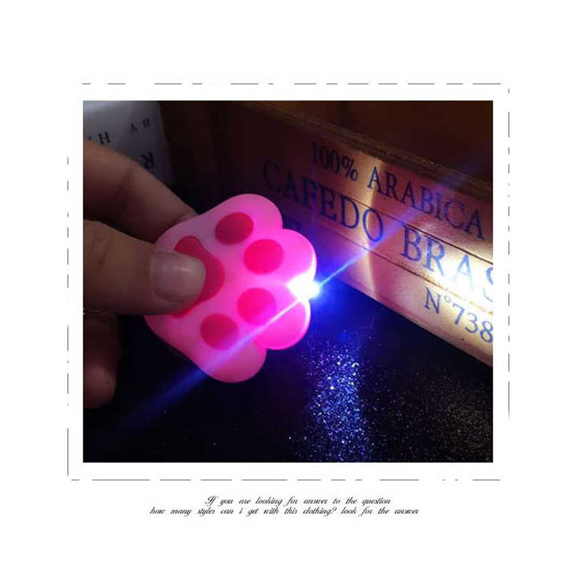 Gato bonito Garra Cadeia Ke Luzes LED Som Chaveiro Pompom De Pele Macia Corda de Couro Chaveiros Chave Anel Chave Do Carro titular Saco de Encantos