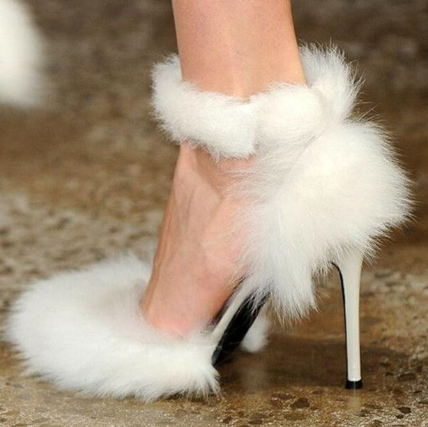 2019 Summer Top New Brand Woman Solid White Color Sheep Fur Elastic Band Pointed Toe Stiletto Heels Sexy Party Fashion Pumps2019 Summer Top New Brand Woman Solid White Color Sheep Fur Elastic Band Pointed Toe Stiletto Heels Sexy Party Fashion Pumps