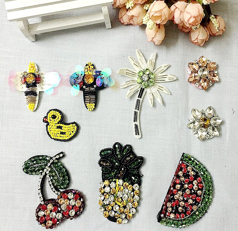 10pcs/lot Sequins Fruit Animal Rhinestones Hand-staple Bead Patch Embroidered Sew On Patches For Shoes Bags Clothes DIY Accessor