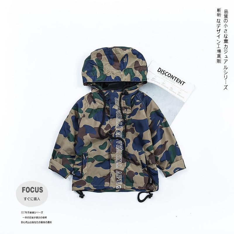 Корейская модная камуфляжная куртка для Обувь для мальчиков верхняя одежда и Куртки Пальто для будущих мам для маленьких мальчиков детская...