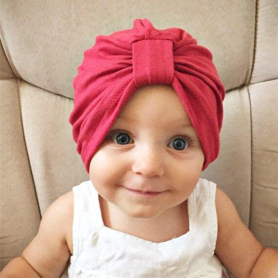 Bébé Chapeaux Mignon Enfants de Noeud Chapeau Automne Hiver Head Wrap Bébé  Garçons Filles Coton Caps Enfant Doux Beanie 2016 nouveau acb493f095a