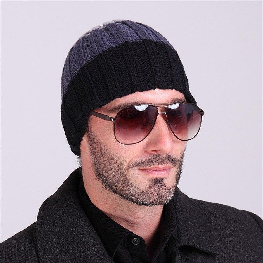 мужчина в очках и шапке картинки маркетинг