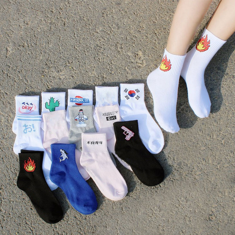 Fashion Women Daily Socks Harajuku Cotton Kitten Flame Socks Men Cactus Shark Alien Students Cartoon Letter Print Funny Socks